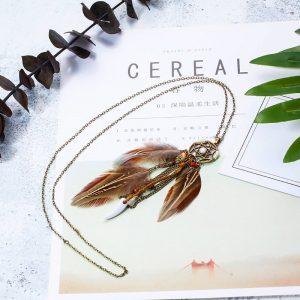 Magnifique collier attrape rêve avec plumes